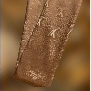 LUXURY | Louis Vuitton Luxury Scarf